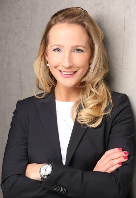 Sylvana Duranovic Gastgeberin des Business-High 5 Netzwerks und Geschäftsführerin der Inbound-Marketing-Agentur InboundBuzz in Stuttgart-Mitte